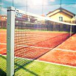 Wyposażenie kortów tenisowych – piłkochwyty i siatki do tenisa