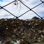 Mocna siatka do ochrony wysypiska i składowiska śmieci