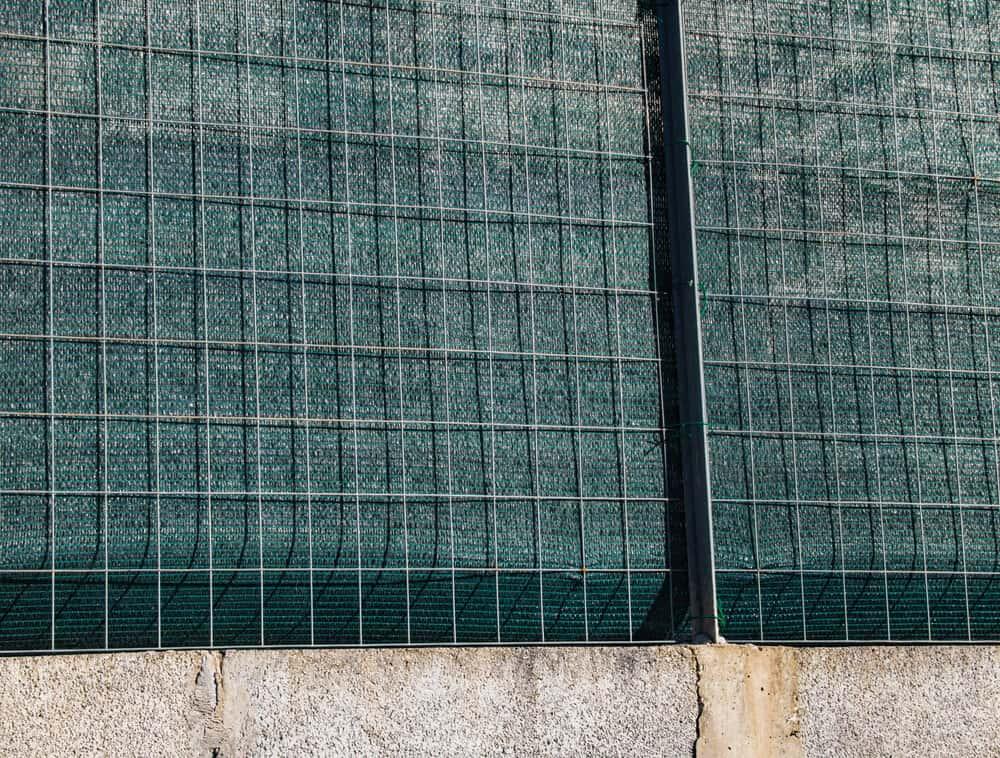 Siatka maskująca na ogrodzenie ogrodzeniowa