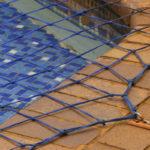 Siatka na basen - zabezpieczenie dzieci i zwierząt oraz ochrona przez zanieczyszczeniami